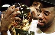 Kawhi Leonard war der wertvollste Spieler der Playoffs. Aber noch ist unklar, ob er bei den Toronto Raptors bleiben wird. (Bild: Larry W. Smith/EPA (Oakland, 13. Juni 2019))