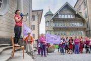 Im appenzellischen Trogen streikten die Frauen auf dem Landsgemeindeplatz. (Bild: Urs Bucher)