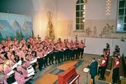 Das «Grosser Gott wir loben dich», wird vom «Mannkoor» dem Jodelclub Säntisgruess und dem Publikum gemeinsam gesungen. (Bild: Adi Lippuner)