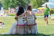 Die reformierte Kirche tut sich derzeit schwer mit der Ehe für alle. Bild: Anthony Anex/Keystone (Bern, 1. Juli 2018)