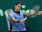 Startet am Montag in Halle in seine Rasensaison: Roger Federer (Bild: KEYSTONE/EPA/TYLER LARKIN)
