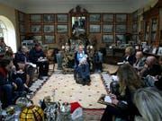 Der italienische Filmregisseur Franco Zeffirelli, hier bei der Präsentation seines Buches «Francesco» in seinem Heim in Rom im Jahr 2014. (Bild: KEYSTONE/EPA/ALESSANDRO DI MEO)