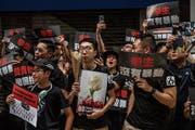 Auch diesen Sonntag gingen in Hongkong zahlreiche Bürger gegen das Auslieferungsgesetz auf die Strasse. (Bild: Bild:)