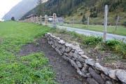 Entlang des alten Sustenwegs wurden unter anderem Mauerabschnitte saniert und Holzzäune aufgewertet. (Bild: PD)