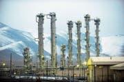 Die Schwerwasserfabrik in Arak ist ein wesentlicher Teil des umstrittenen dortigen Forschungsreaktors. (Bild: Hamid Forutan/EPA (15. Juni 2011))