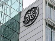 General Electric baut in der Schweiz weitere rund 450 Jobs ab. Betroffen vom Stellenabbau sind die Standorte in Birr und Baden. (Bild: KEYSTONE/WALTER BIERI)