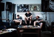 Zusammen im Studio (von links): Marco Wolf (Horscht), Manuel Hosang (Frisk), Reto Müller (Freshe). (Bild: Stefan Kaiser (Baar, 14. Juni 2019))
