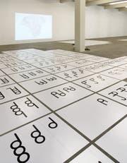 Salome Schmukis abstrakte Zeichen sind von verschiedenen Schriftsystemen inspiriert. (Bild: Salome Schmuki)