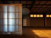 Der Eingangsbereich Der Kunsthalle Arbon wurde in Fiberglas abgeformt und nach Innen verdoppelt. (Bild: Ladina Bischof)