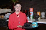 Nathalie Pizzigoni pflegte den Kontakt zu ihren Gästen. Zur Auswahl standen unter anderem über 30 Teesorten. (Bilder: Philipp Stutz)