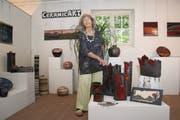 Keramikkünstlerin Cécile Donzé in ihrem Atelier. (Bild Marion Wannemacher, Beckenried, 14. Juni 2019)