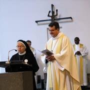 Der Engelberger Abt Christian Meyer und Gastgeberin Äbtissin Pia Habermacher am Festgottesdienst.