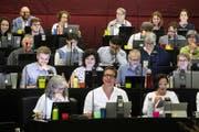 Ein Blick in die Reihen der SP- und der Grünen Fraktion. (Bild: Keystone/Alexandra Wey)