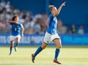 Joker Aurora Galli bejubelt ihr Tor zum 2:0-Sieg von Italien im WM-Achtelfinal gegen China (Bild: KEYSTONE/EPA/GUILLAUME HORCAJUELO)