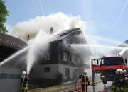 Der Brand war so gross, dass das Haus jetzt nicht mehr bewohnbar ist. (Bild: PD)