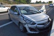 Der Sachschaden nach diesem Unfall beträgt mehrere zehntausend Franken. (Bild: Kapo SG)