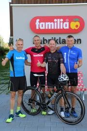 Die vier Athleten sind bereit für das grosse Abenteuer Gigathlon (von links): Peter Odermatt, Christian Jakober, Robert Kievit und Beat Birrer. (Bild: PD)