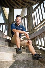 Im Wiler Turm: Diese Treppe rennt Silvan Jung jeweils in der Saisonvorbereitung hoch. (Bilder: Ralph Ribi)