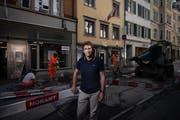 Stadtingenieur Beat Rietmann in der Engelgasse, die gerade neu gestaltet wird. (Bild: Benjamin Manser - 28. Juni 2019)