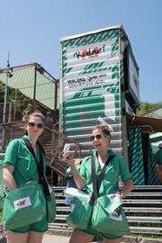 Das M-Budget-Zelt vor der Sitterbühne gehört seit fast 20 Jahren zum Open Air St.Gallen. (Bild: Adriana Ortiz Cardozo)