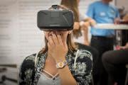 Um Virtual Reality, die virtuelle Realität, zu erleben, muss man eine spezielle Brille tragen. (Bild: Benjamin Manser)