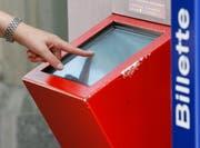 Die bargeldlose Bezahlung an den Automaten ist derzeit nicht möglich. (Bild: Steffen Schmidt/Keystone)