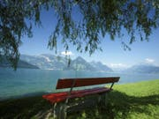 Ferien sind kein Luxus, sondern eine medizinische Notwendigkeit, sagen Forscher. Mehrere kurze Urlaube sind besser als ein ganz langer und ein täglicher Mini-Urlaub ist sehr gesund. (Bild: Keystone/URS FLUEELER)