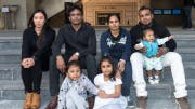 «Snowden's guardian angels» (from left): Vanessa Mae Rodel with her daughter Keana (in the front on the left), Ajith Pushpa, the couple Nadeeka and Supun Thilina with their daughters Dinath und Sethumdi (in the front on the right). (Photo: Jayne Russel)