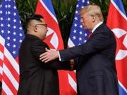 US-Präsident Donald Trump hat Nordkoreas Machthaber Kim Jong Un ein neues Treffen in der entmilitarisierten Zone zwischen Nord- und Südkorea angeboten. (Bild: KEYSTONE/AP/EVAN VUCCI)