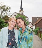 Schauspielerin Isabella Rapp geniesst die Zeit bei ihrer Mutter Veronika Traber in Marbach. (Bild: Andrea Kobler)