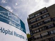 Um die Zukunft des Spitals Moutier wird hart gerungen. (Bild: KEYSTONE/JEAN-CHRISTOPHE BOTT)