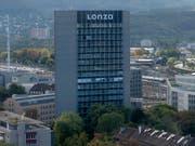 Beim Spezialchemiekonzern Lonza soll eine Sparte ausgegliedert werden. (Bild: KEYSTONE/GEORGIOS KEFALAS)