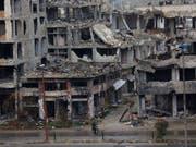 Israel hat in der syrischen Region um Homs erneut Militäreinrichtungen angegriffen. (Bild: KEYSTONE/AP/HASSAN AMMAR)