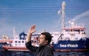 Innenminister Matteo Salvini äussert sich in der Talkshow «Porta e Porta» über die «Sea Watch 3». (Bild: Riccardo Antimiani/EPA (26. Juni 2019))