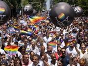 Umzug am Sonntag in New York am Sonntag in New York für die Gleichberechtigung aller Liebesformen. (Bild: Keystone/FR61802 AP/CRAIG RUTTLE)