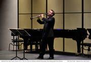 Klarinettist Jörg Widmann lotete den neuen Saal in Andermatt auch für ganz leise Töne aus. (Bild: Peter Fischli / Swiss Alps Classics)