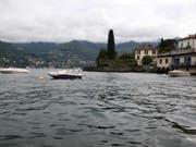 In der Region Como ist eine junge Schweizerin nach einem Bad im See als vermisst gemeldet worden. (Bild: KEYSTONE/EPA ANSA/MATTEO BAZZI)