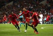 Gegen die Schweiz Matchwinner für Portugal mit drei Treffern: Cristiano Ronaldo (Mitte).Bild: Jan Kruger/Getty (Porto, 5. Juni 2019)