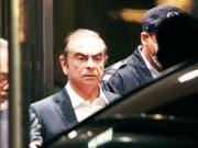 Gegen den einst schillernden Automanager Carlos Ghosn sind erneut Vorwürfe von zweifelhaften Zahlungen aufgetaucht - diesmal bei einer niederländischen Gesellschaft. (Bild: KEYSTONE/AP/EUGENE HOSHIKO)