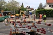 Die Baustelle auf der Verzweigung Guisan- und Holzstrasse. Derzeit werden Arbeiten an den Werkleitungen ausgeführt. (Bild: Reto Voneschen - 6. Juni 2019)
