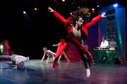 Béatrice Goetz' «Break'in hearts» (MIR Compagnie 2007) studiert die P.A. Company Lugano mit ihr als Coach fürs Festival ein. Bild Ismael Lorenzo