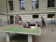 Beim Schulhaus St.Leonhard wird schon trainiert. (Bild: Sandro Büchler)