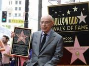 Hat nun einen eigenen Stern auf dem «Walk of Fame» in Hollywood: US-Schauspieler Alan Arkin (85). (Bild: KEYSTONE/AP Invision/MARK VON HOLDEN)