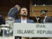 Kazim Gharibabadi, Irans Botschafter bei der Internationalen Atomenergiebehörde, am Mittwoch bei der Sondersitzung in Wien. (Bild: Keystone/EPA/CHRISTIAN BRUNA)
