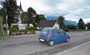 Seit Jahren bemüht sich der Gemeinderat Sennwald, bei der reformierten Kirche wieder einen Fussgängerstreifen zu erhalten, der im Jahr 2015 aufgehoben wurde.Bild: Katharina Rutz