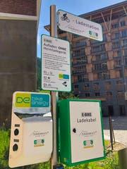 In Andermatt können Biker und Automobilisten Strom auftanken. (Bild: PD)