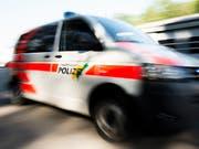 Mann mit Beil löst Polizeieinsatz in Schaffhausen aus. (Bild: KEYSTONE/ENNIO LEANZA)