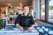 «Büroarbeit ist nichts für mich»: Claudia Niedermann bei ihrer Arbeit. (Bild: Urs Bucher)