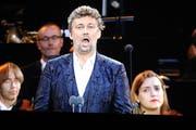 Der Opernstar Jonas Kaufmann auf Weinfelder Leinwand. (Bild: Manuela Olgiati)