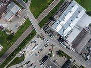 Die Kreuzung Hörnli-/Wallenwilerstrasse erhält einen grösseren Abbiegeradius. (Bild: Olaf Kühne)